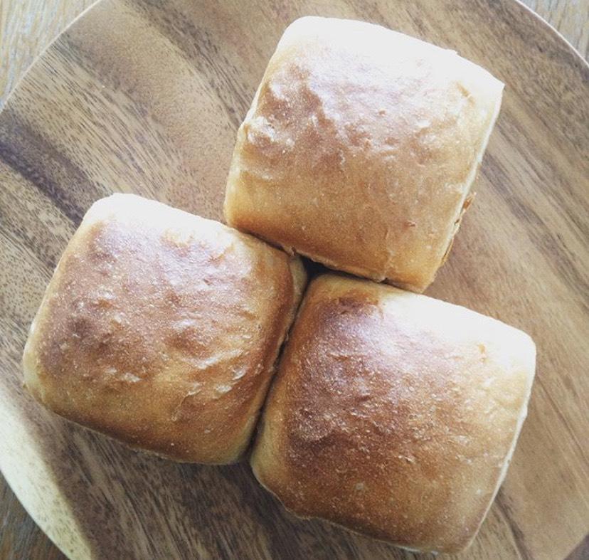マルシェでパンの販売